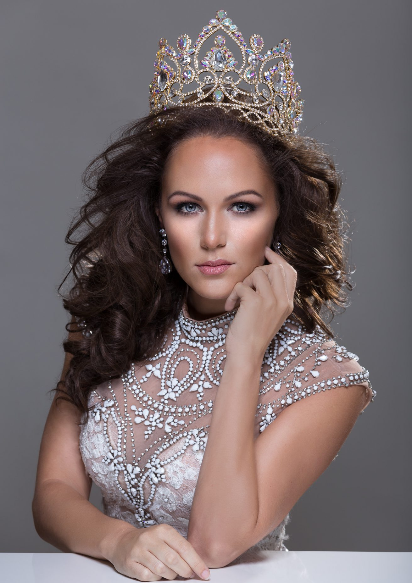 Mrs. Earth 2017 – Kristin Chucci